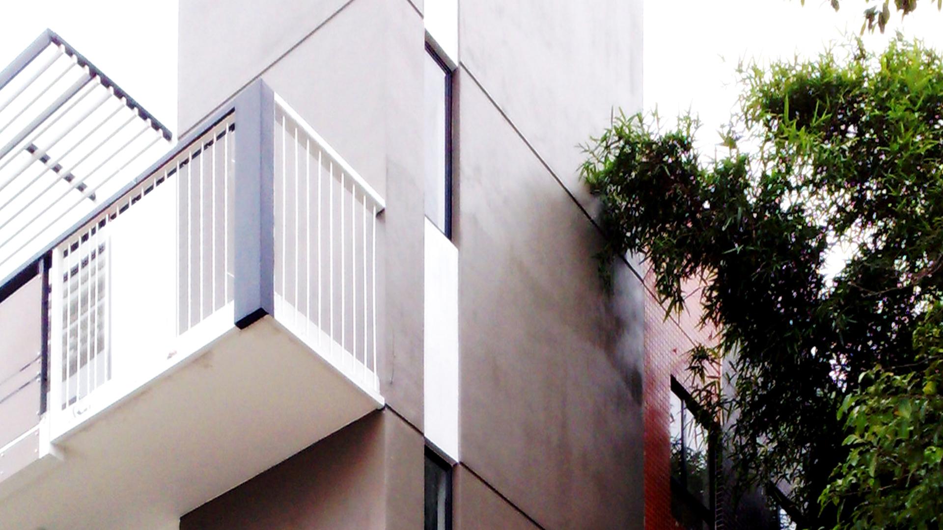 Hou-House 侯居